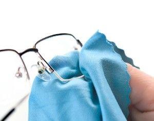 Limpiar cristales de gafas baratos