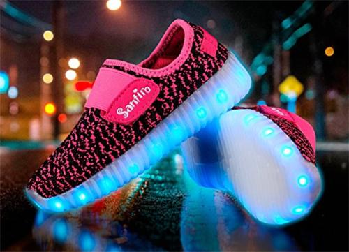 zapatillas que brillan en la suela
